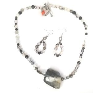 New handmade natural stones necklaces and earrings